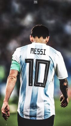 maluma God Of Football, Football Boys, Messi And Neymar, Messi 10, Lionel Messi Barcelona, Fc Barcelona, Messi Poster, Argentina Football Team, Cristiano Ronaldo Wallpapers