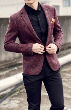 If you are in the market for brand new men's fashion suits, there are a lot of things that you will want to keep in mind to choose the right suits for yourself. Below, we will be going over some of the key tips for buying the best men's fashion suits. Stylish Mens Fashion, Latest Mens Fashion, Mens Fashion Suits, Mens Suits, Suit Men, Blazer Outfits Men, Casual Blazer, Mens Casual Coats, Blazers For Men Casual