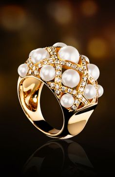 Chanel 18k gold, pearl & diamond ring