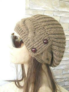 This Womens Winter slouchy beanie will make you eye catching, and also to keep you warm! You can use this Slouchy beanie in winter and fall season. Knitted Headband, Crochet Beanie, Knitted Hats, Knit Crochet, Crochet Hats, Slouchy Beanie, Beanie Hats, Hand Knitting, Knitting Patterns