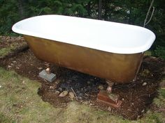 simple hot tub with cast iron tub. Garden Bathtub, Outdoor Bathtub, Diy Bathtub, Outdoor Bathrooms, Bath Tub, Outdoor Showers, Bathtub Decor, Outdoor Sauna, White Bathrooms