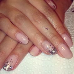 Nude glitter nailsss
