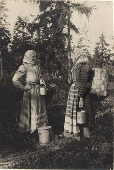 Vintage Pictures, Old Pictures, Old Photos, Sweden History, Greek History, Summer Feeling, History Photos, Vintage Photographs, Folklore