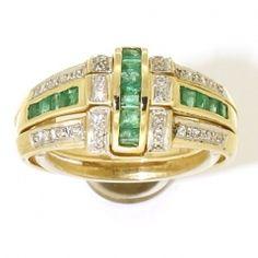 Nieuw bij Spiegelgracht Juweliers: geelgouden set wisselringen. Gezet met robijn, saffier, smaragd en diamant: http://www.spiegelgrachtjuweliers.nl/product/ringen/geelgouden-set-wissel-ringen