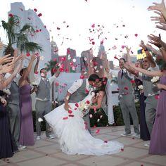 Las Vegas Wedding Venues Getting Married In Vegas with Las Vegas Wedding - Party Supplies Ideas Vegas Wedding Venue, Ballroom Wedding, Las Vegas Weddings, Outdoor Wedding Venues, Wedding Chapels, Married In Vegas, Courtyard Wedding, Glamorous Wedding, Trendy Wedding