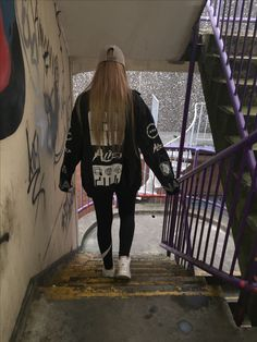 #UlzzangStyle #Girl #Black #Blonde #Jacket #Korean