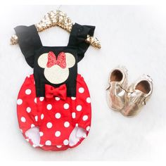 Red & White polka dot Minnie Mouse inspired by StevensBabyBoutique Rompers Bebe, Cute Rompers, Girls Rompers, Mickey Birthday, Birthday Ideas, 2nd Birthday, Red Minnie Mouse, Mouse Costume, Baby Girl Romper