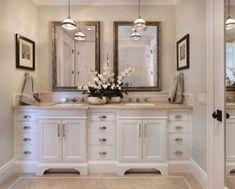 White bathroom vanity with black top black and white bathroom cabinets white vanity bathroom ideas beautiful Bad Inspiration, Bathroom Inspiration, Farmhouse Faucet, Rustic Farmhouse, Master Bathroom Vanity, Bathroom Vanities, Tan Bathroom, Sink Faucets, White Bathrooms