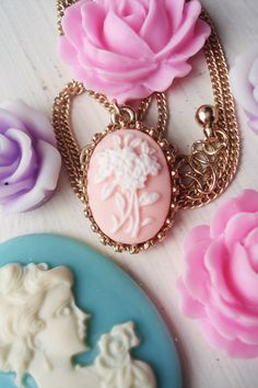 The winner will receive a box filled with lots and lots of pretty things. You'll find vintage French velvet ribbon, a pretty cameo. Cameo Jewelry, Cameo Necklace, Diy Jewelry, Vintage Jewelry, Jewelry Box, Cameo Pendant, Everything Pink, Fantasy Jewelry, Pretty Pastel