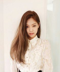 A hot and sexy teacher named Ms Jennie Kim. A nerdy student girl named Lisa Manoban. What will Ms Kim do if she falls inlove with one of her students? Read to find out. Warning ⚠️ Lisa G! Blackpink Jennie, Kim Hair, Divas, Blackpink Members, Blackpink Fashion, Sexy Outfits, Korean Girl, Kpop Girls, Beautiful People
