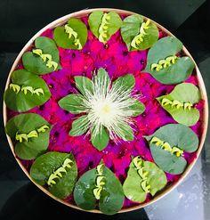 Floating flowers Rangoli Designs Flower, Flower Rangoli, Flower Mandala, Diwali Decorations, Festival Decorations, Flower Decorations, Flower Jewellery For Haldi, Wedding Food Stations, Indian Rangoli