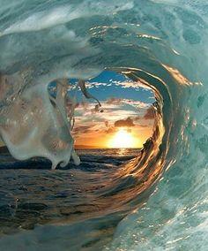 Morning wave, Australia