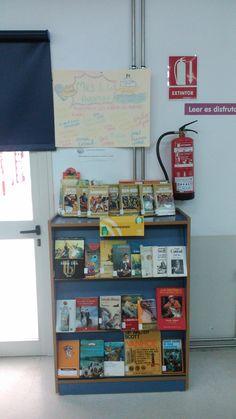 Mes de abril, mes de la aventura en la Biblioteca del Fardes Magazine Rack, Cabinet, Storage, Furniture, Home Decor, Fire Extinguisher, Adventure, Clothes Stand, Purse Storage