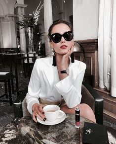 15 Things High Value Women Always Do Sonnenbrille für junge Frau Date Outfits, Classy Outfits, Casual Outfits, Fashion Outfits, Fashion Trends, Night Outfits, Fashion Ideas, Looks Style, Style Me