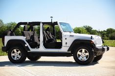 White Jeep Wrangler Unlimited With Top And Doors Off Four Door Jeep Wrangler, White Jeep Wrangler Unlimited, Jeep Wrangler Tops, Jeep Wrangler Rubicon, Jeep Wranglers, Jeep Sahara Unlimited, Jeep Wrangler Accessories, Jeep Accessories, Stove Accessories