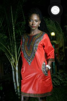 Dashiki print applique dress door RandaWemah on Etsy ~ African fashion, Ankara… African Inspired Fashion, African Print Fashion, Africa Fashion, African Fashion Dresses, Ghanaian Fashion, African Prints, African Attire, African Wear, African Women