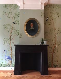 Snijder&CO-hand-painted-wallpaper with a Magpie and a grey Heron