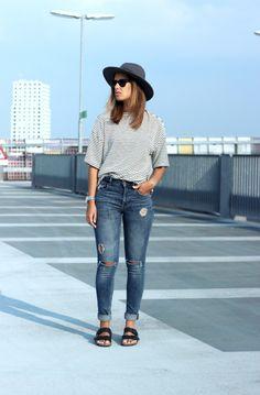 Denim-birkenstock-arizona-outfit-street-style-trend