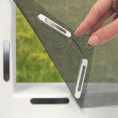 Wohnwagen ❤️ Easymaxx Fenster-Moskitonetz mit Magneten DIY Methods to Save on Utilities If your util Window Screens, Window Coverings, Home Curtains, Mosquito Net, Deck Design, Home Decor Furniture, Plywood Furniture, Home Repair, Home Hacks