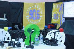 L'emblème Oxfam en direct du Cabaret Vert 2013 - Radio Bouton Radios, Direction, Cabaret, 2013, Button, Green