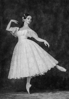"gorbigorbi: ""Evgenia Obraztsova (Bolshoi Ballet), ""Le Spectre de la Rose"", 2016 Christmas Ballet Gala, The Kremlim Palace (December Photo © Alexander Yakovlev for Ballet Insider "" Vaganova Ballet Academy, Bolshoi Theatre, Bolshoi Ballet, Ballet Dancers, Ballerinas, Royal Ballet, Ana Pavlova, Ballet Vintage, Alexander Yakovlev"