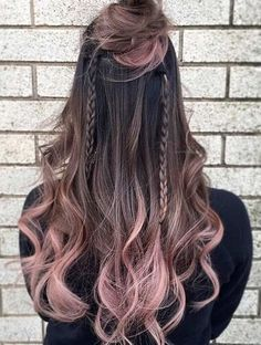 Hair Highlights Here are some of the best hair color ideas for brunettes including brown hair shades, brunettes with highlights and seasonal trends. Men Hair Color, Hair Dye Colors, Brown Hair Colors, Hair Color Ideas For Black Hair, Blonde Ombre Hair, Hair Color Balayage, Pink Hair, Haircolor, Blonde Color