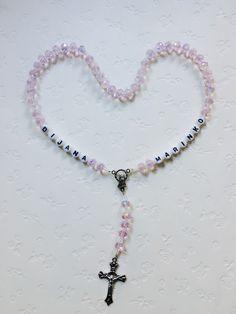 🎁🎁🎁 #neu #personalisierterRosenkranz #Weihnachtsgeschenk #novo #krunicasaimenom #božićnipoklon #mojihrukudjelo Home Art, Beaded Bracelets, Jewelry, Jewlery, Jewerly, Pearl Bracelets, Schmuck, Jewels, Jewelery