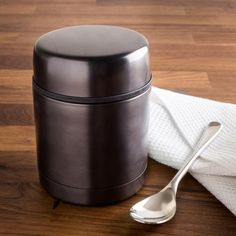 Food stays hot longer in the TOGO Thermal Food Storage Jar. No need for a microwave to enjoy your lunch at just the right temperature. Jar Storage, Food Storage, Knife Block Set, Bakeware, Kitchen Gadgets, Lunches, Microwave, Cookware, Warm