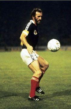 Celtic Fc, International Football, Football Players, Glasgow, Scotland, Chelsea, Kicks, Clock, Running