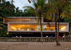 Paraty House, Rio De Janeiro - Brazil designed by Studio MK27. Cocotraie Issue 8 Special Brazil.