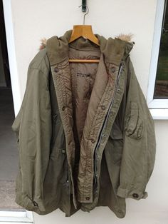 Beyond Rare, fist fishtail parka ever made, the prototype fishtail parka.only 2 in the world. Us Army Surplus, Fishtail Parka, Parka Coat, Military Jacket, Going Out, Coats, How To Wear, Jackets, Fashion Design