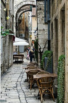 Split - narrow street in Croatia Montenegro, Dubrovnik, The Places Youll Go, Places To See, Travel Around The World, Around The Worlds, Beaux Villages, Destination Voyage, Croatia Travel