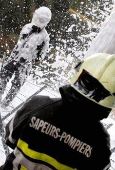 Pompiers contre policiers en Belgique - 2Tout2Rien