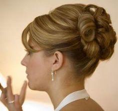 penteados-para-festa-de-casamento-com-coque-3.jpg (300×282)