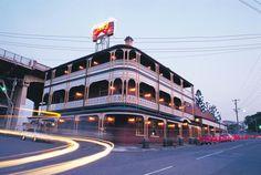 Pub Crawl Brisbane, Australia (With Video & Map)