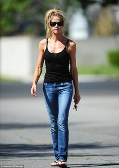 Denis Richards, High Fashion Models, Very Beautiful Woman, Beachwear, Personal Style, Camisole Top, Street Style, Actresses, Tank Tops