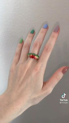 Polymer Clay Crafts, Polymer Clay Jewelry, Diy Clay Rings, Clay Art Projects, Handmade Wire Jewelry, Cute Clay, Bijoux Diy, Clay Charms, Clay Creations