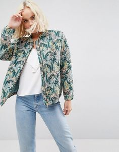 Buy it now. Deby Debo Jirrit Palms Print Bomber - Green. Jacket by Deby Debo, Textured woven fabric, All-over embroidery, Stand collar, Zip fastening, Functional pockets, Fitted trims, Regular fit - true to size, Machine wash, 57% Cotton, 39% Polyester, 3% Other Fibres, 1% Polyamide, Our model wears a UK 8/EU 36/US 4 and is 170cm/5'7 tall. , chaquetabomber, bómber, bombers, bomberjacke, chamarrabomber, vestebomber, giubbottobombber, bomber. Green Deby debo  bomber jacket  for woman.