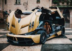 Pagani Huayra: Hands-on with Pagani's latest hypercar