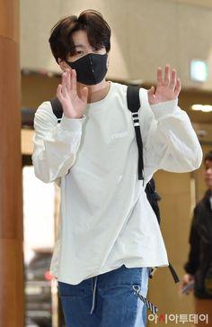 "Please leave me alone. Just kill me already Jungkook"". Taehyung, Jungkook Jeon, Bts Bangtan Boy, Namjoon, Jung Kook, Busan, Jikook, Bts Airport, Airport Style"