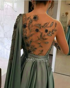 1 2 3 4 or Beautiful Gown Designs, Beautiful Gowns, Evening Dresses, Prom Dresses, Formal Dresses, Indian Wedding Outfits, The Dress, Blouse Designs, Pretty Dresses