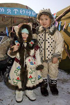Фото: Якутия, третий международный конгресс оленеводов, март 2005.