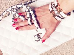 Chanel & Red Nails #ManoirCoquetterie