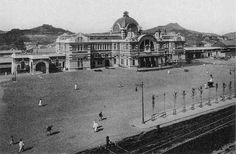 Keijo (Seoul) station (Old photo of Korea Japanese colonial period) Old Pictures, Old Photos, Vintage Photos, Meiji Restoration, Korean People, Online Travel, Seoul Korea, Beautiful Places To Travel, Modern City