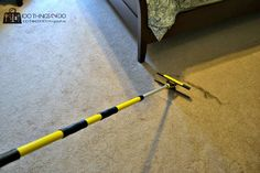 How to clean pet hair from carpet - Part II. This time using a window squeegee and a mop handle you can 'rake' your entire room clean! Grey Carpet, Modern Carpet, Window Squeegee, Pet Hair Removal, Hallway Carpet Runners, Best Carpet, Cleaning Solutions, Persian Carpet, Clean House