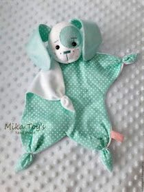 Sock Crafts Cat Crafts Baby Sewing Sewing For Kids Sewing Dolls Crochet Toys Crochet Baby Diy Toys Bunny Baby Toys, Newborn Toys, Baby Fabric, Fabric Toys, Sewing Projects For Kids, Sewing For Kids, Diy Projects, Sewing Ideas, Diy Bebe