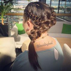 Another version of the diagonal #3dpullthroughbraid I've been making quite a few this summer ☀️ This one is spiced up by a #fourstrandbraid  . . #threestrandpullthroughbraid #3dläpivetoletti #kolmeosainenläpivetoletti #braid #perjantaikampaus #braiding #braidinghair #braidideas #instabraids #letti #lettikampaus #letitys #hairdo #hairdos #hairstyles #plaitedhair #suomiletit #braidsforgirls #featuremeisijatytot #hotbraidsmara #featureaccount_ #braidinginspiration #inspirationalbraids