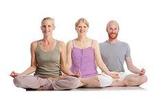 Im Yoga Vidya Meditationsportal erhälst du praktische Tipps zum Thema Meditation und einfache Anleitungen und Vorübungen, mit denen du Meditation lernen kannst. Auch wenn du mit Meditation vertraut bist, findest du hier interessante Meditationstexte und Videos zu verschiedenen Meditationstechniken, Informationen über die Wirkungen der Meditation und vieles mehr.