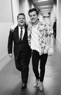 terencepatrick: Don't you love when old friends stop by for a visit? Great seeing you @harrystyles! #jamescorden#harrystyles #tplls