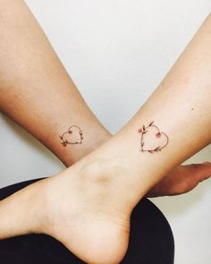 Beautiful Floral Heart Tattoos - Mother Daughter Tattoos - Mother Tattoos - MomCanvas - Tiny Connected Heart Tattoo – Mother Son Tattoos – Mother Tattoos – MomCanvas You are in the r - Mom Daughter Tattoos, Mother Daughter Tattoos, Tattoos For Daughters, Sister Tattoos, Mother Daughters, Bff Tats, Baby Tattoos, Cute Tattoos, Beautiful Tattoos